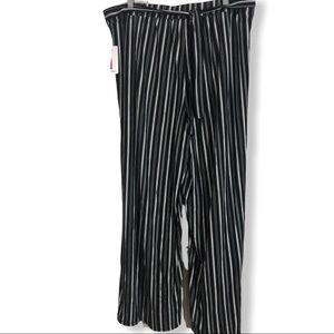 Bobbie Brooks  black white stripe wide leg pants